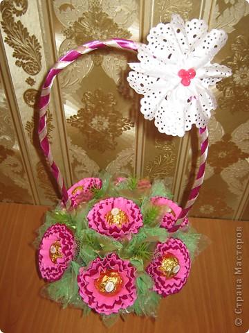 Очень люблю полевые цветы. А если добавить конфет, получится неплохой подарок на день рождения. фото 9