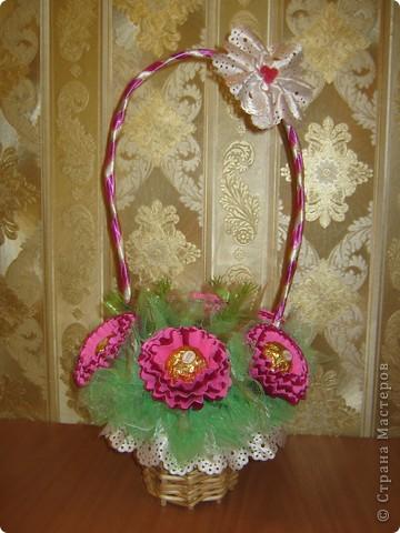 Очень люблю полевые цветы. А если добавить конфет, получится неплохой подарок на день рождения. фото 10