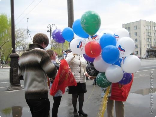 В этот день в городе было много цветов, цветов для погибших солдат и для ветеранов войны. фото 29