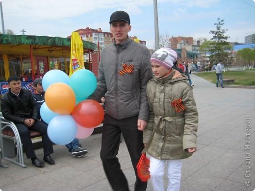 В этот день в городе было много цветов, цветов для погибших солдат и для ветеранов войны. фото 27