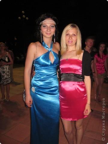 Синее платье шила для выпускного девочке и розовое для кумы