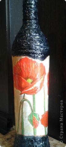 Бутылка с маками