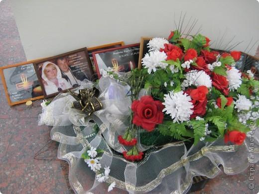 В этот день в городе было много цветов, цветов для погибших солдат и для ветеранов войны. фото 90