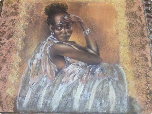 канва 100 на 90 см в (середине приклеен фрагмент с африканской задумчивой девушкой)   фото 3