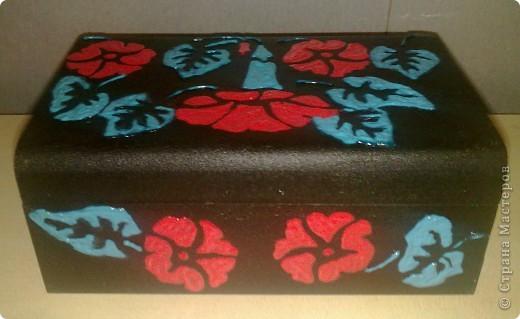 деревянная коробочка,черная грунтовка,шаблон и 3-х мерная краска двух оттенков. фото 2