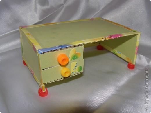 """Смастерилось еще немножко мебелюшки. Кресло-качалку  сделал нам папа, как и другую мебель из прищепок в кукольный дом. Довольно давно сделал, кресло прошло уже """"проверку на прочность"""". Нормально, прочное! Там удобно и Полинкам, и Барби.  фото 10"""