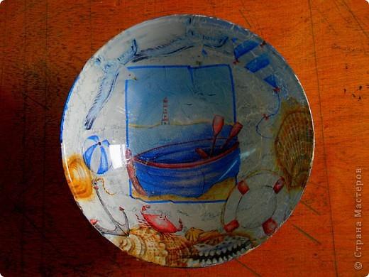 немного декупажу. мой первый опыт обратного декупажа - эти стеклянные салатники. фото 1