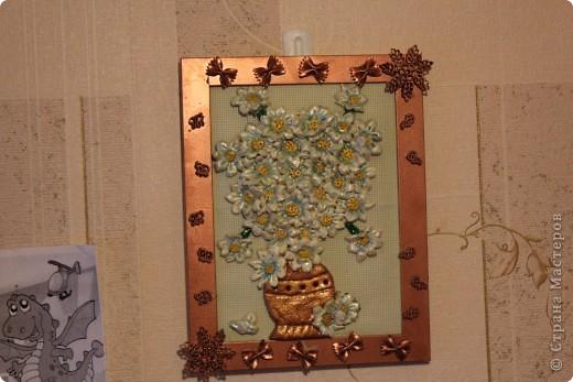 ромашки из соленого теста, рамка украшена макаронами фото 2