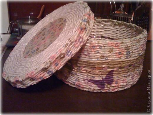 """почему коробок именно для носочков? всё просто.Моя подружка увидев на сайте предыдущие фото моих творений)),сказала(цитирую ее слова) :""""я тоже хочу такие штучки!!!.....такую круглую  хочу..)))))))))для носочков или еще чего-нибудь"""" Так что,это подарок для подружки  фото 3"""
