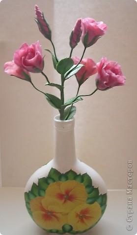 Нежные трубчатые цветки, окрашенные в акварельные тона всех цветов радуги, напоминающие то ли Эшшольцию, то ли Мак.Вырастить Эустому из семян не просто, и в культуре она требует особых навыков и знаний.  фото 5