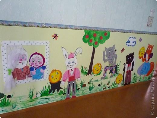 Новая стенка в группе сына. В саду уже не работаю, а оформлять  группы для сына хожу. Стена сенсорная, нарисованы  красками акриловыми художественными - голова и  конечности , все остальное из ...... фото 9