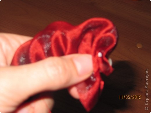 Просили меня показать как я делаю розы для моих топиариев. Извините что так долго собиралась. Нарезаем ткань полосками 60*8 см фото 6