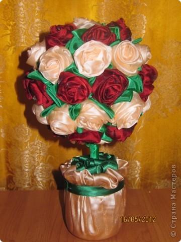 Просили меня показать как я делаю розы для моих топиариев. Извините что так долго собиралась. Нарезаем ткань полосками 60*8 см фото 14