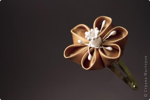 я сделала этот цветок на 3-й день после моего первого знакомства с канзаши )  фото 30