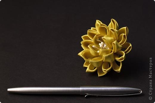 я сделала этот цветок на 3-й день после моего первого знакомства с канзаши )  фото 28