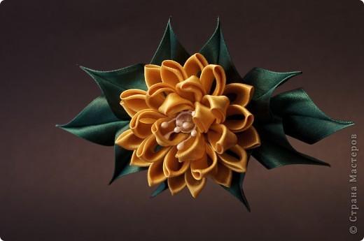 я сделала этот цветок на 3-й день после моего первого знакомства с канзаши )  фото 26