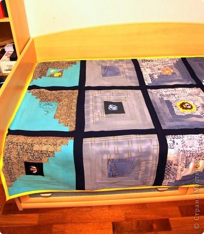 В дело пошли остатки искусственного меха, старые джинсы, драп. фото 6