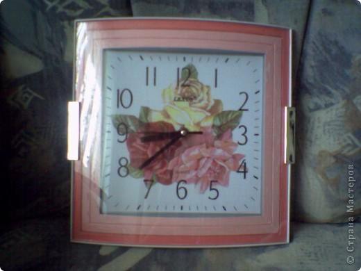 Подарок для родителей. Старый обшарпаный стол превратился в розовую поляну фото 2