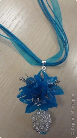 Голубые лилии в серебре фото 3