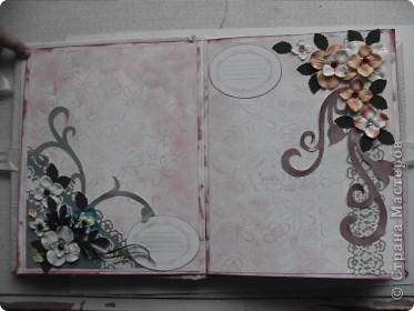 Миниальбом в подарок моей дочери. Она очень любит розовое, а так как у меня на данный момент не оказалось под рукой розовой бумаги, я решила попробовать сделать ее сама фото 4