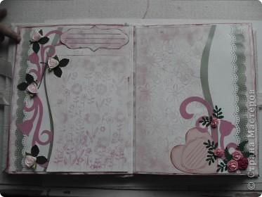 Миниальбом в подарок моей дочери. Она очень любит розовое, а так как у меня на данный момент не оказалось под рукой розовой бумаги, я решила попробовать сделать ее сама фото 5