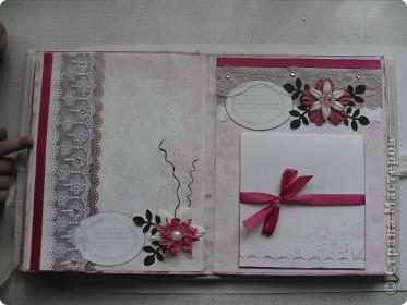 Миниальбом в подарок моей дочери. Она очень любит розовое, а так как у меня на данный момент не оказалось под рукой розовой бумаги, я решила попробовать сделать ее сама фото 6