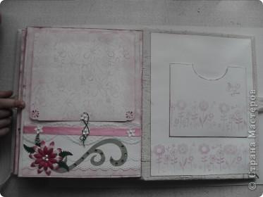 Миниальбом в подарок моей дочери. Она очень любит розовое, а так как у меня на данный момент не оказалось под рукой розовой бумаги, я решила попробовать сделать ее сама фото 8