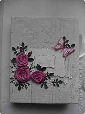 Миниальбом в подарок моей дочери. Она очень любит розовое, а так как у меня на данный момент не оказалось под рукой розовой бумаги, я решила попробовать сделать ее сама фото 1