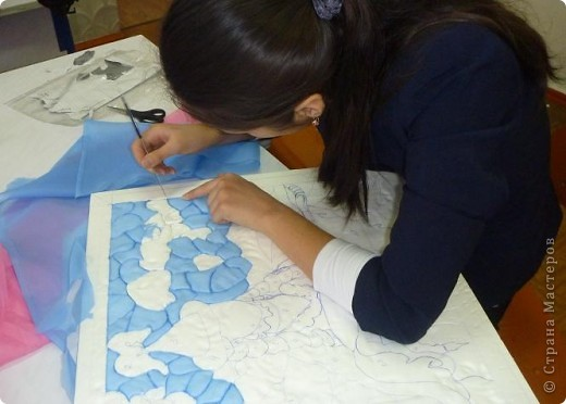 """Картину """"Девушка с домброй"""" в технике """"Пэчворк по пенопласту"""" выполнила моя ученица 8 """"В"""" класса Умарова Надира.  фото 8"""