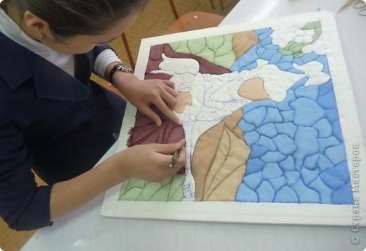 """Картину """"Девушка с домброй"""" в технике """"Пэчворк по пенопласту"""" выполнила моя ученица 8 """"В"""" класса Умарова Надира.  фото 9"""