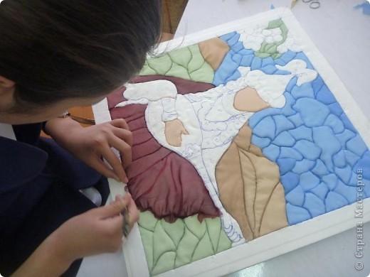 """Картину """"Девушка с домброй"""" в технике """"Пэчворк по пенопласту"""" выполнила моя ученица 8 """"В"""" класса Умарова Надира.  фото 10"""