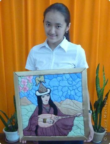 """Картину """"Девушка с домброй"""" в технике """"Пэчворк по пенопласту"""" выполнила моя ученица 8 """"В"""" класса Умарова Надира.  фото 11"""