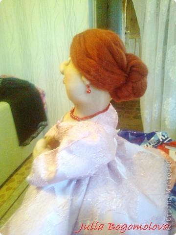 """Есть среди моих друзей один замечательный человек. И вот у него наступил юбилейный день Рожденья. Я долго ломала голову, что потоком поводу дарить .  Юбиляр – молодая мама троих детей.  И вот я решила сделать куклу-грелку , авось  в хозяйстве пригодится… И вот  у меня получилась вариация  на """"АХ ТЫ ДУШЕЧКА....."""" - Моя фрекен Бок)    исполнена благодарностью за МК  Ликме  фото 3"""