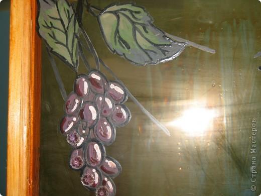 Декорирование окна выполнила Галиева Альбина 14лет МОУ ВГЛ,г.Волжск. Использовалась техника витража.  фото 4