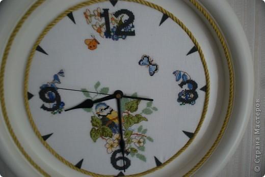 Жалко было выбрасывать старые часы. Решила обновить вышивкой.  фото 2