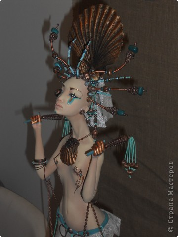 Сейчас в Воронеже проходит выставка кукол. Работы невероятные! Представленные техники потрясают воображение! Параллельно проходят мастер-классы по многим видам рукоделия. Обязательно досмотрите до конца - самые удивительные работы - последние. фото 2