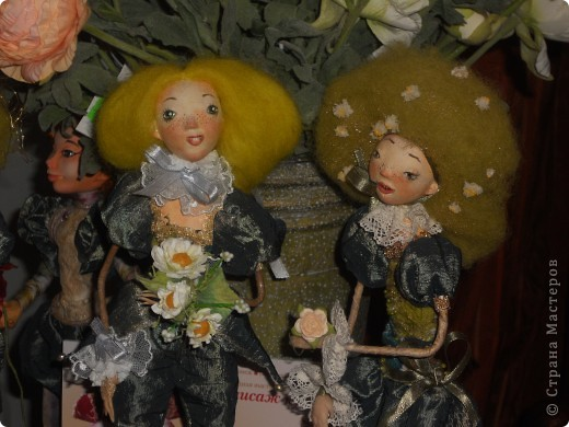 Сейчас в Воронеже проходит выставка кукол. Работы невероятные! Представленные техники потрясают воображение! Параллельно проходят мастер-классы по многим видам рукоделия. Обязательно досмотрите до конца - самые удивительные работы - последние. фото 9