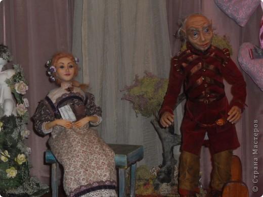 Сейчас в Воронеже проходит выставка кукол. Работы невероятные! Представленные техники потрясают воображение! Параллельно проходят мастер-классы по многим видам рукоделия. Обязательно досмотрите до конца - самые удивительные работы - последние. фото 10