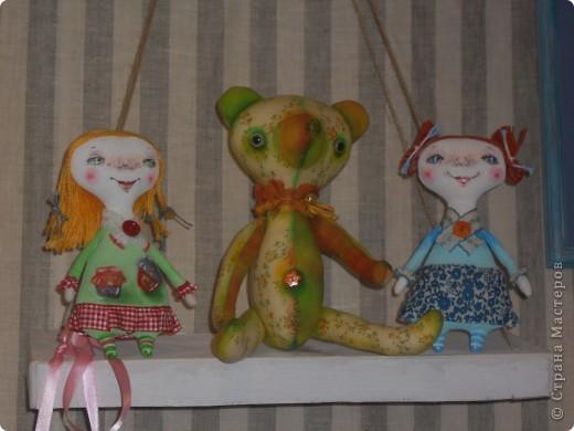 Сейчас в Воронеже проходит выставка кукол. Работы невероятные! Представленные техники потрясают воображение! Параллельно проходят мастер-классы по многим видам рукоделия. Обязательно досмотрите до конца - самые удивительные работы - последние. фото 16