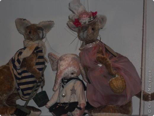 Сейчас в Воронеже проходит выставка кукол. Работы невероятные! Представленные техники потрясают воображение! Параллельно проходят мастер-классы по многим видам рукоделия. Обязательно досмотрите до конца - самые удивительные работы - последние. фото 18