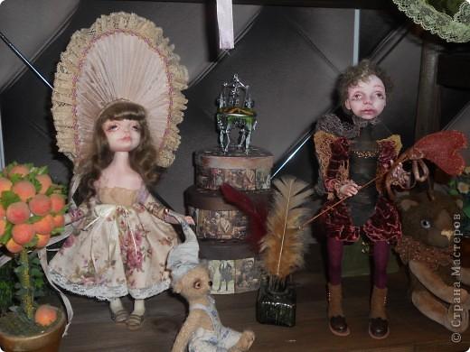 Сейчас в Воронеже проходит выставка кукол. Работы невероятные! Представленные техники потрясают воображение! Параллельно проходят мастер-классы по многим видам рукоделия. Обязательно досмотрите до конца - самые удивительные работы - последние. фото 20