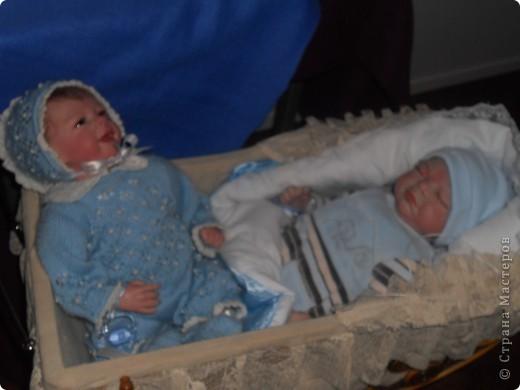 Сейчас в Воронеже проходит выставка кукол. Работы невероятные! Представленные техники потрясают воображение! Параллельно проходят мастер-классы по многим видам рукоделия. Обязательно досмотрите до конца - самые удивительные работы - последние. фото 29