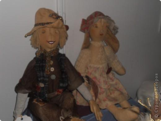 Сейчас в Воронеже проходит выставка кукол. Работы невероятные! Представленные техники потрясают воображение! Параллельно проходят мастер-классы по многим видам рукоделия. Обязательно досмотрите до конца - самые удивительные работы - последние. фото 33