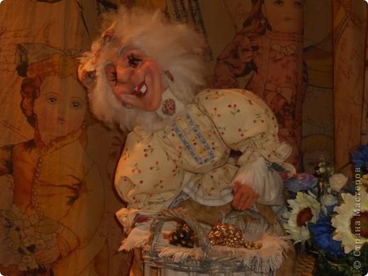 Сейчас в Воронеже проходит выставка кукол. Работы невероятные! Представленные техники потрясают воображение! Параллельно проходят мастер-классы по многим видам рукоделия. Обязательно досмотрите до конца - самые удивительные работы - последние. фото 37