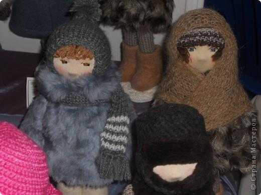 Сейчас в Воронеже проходит выставка кукол. Работы невероятные! Представленные техники потрясают воображение! Параллельно проходят мастер-классы по многим видам рукоделия. Обязательно досмотрите до конца - самые удивительные работы - последние. фото 41