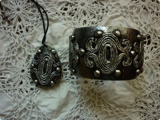 Спасибо Татьяне Сорокиной за ее изобретение http://stranamasterov.ru/node/308701.За вечер, из ничего,получаются очень интересные вещи. Такая вот парочка получилась. фото 1