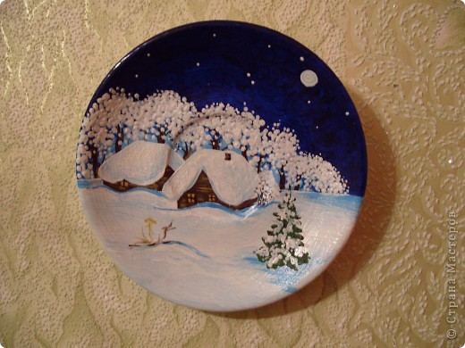 Очень люблю росписывать тарелочки, это мои последние работы. Уже уехали в Россию. фото 3