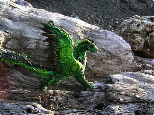 """Выставляю большую драконью подборку - кое-кто уже мелькал здесь, но большинство впервые """"засветились"""" в Стране Мастеров.  Не могу не начать с Рихарда. Он для меня все же особенный дракон. Основатель Луарилльского Гнезда, его бессменный лидер.   *** Истинный дракон благоволит мудрости и порицает глупость. Уважает жажду знаний и презирает суеверия. Он может обладать магическими силами, но твердо знает, что мир прекрасен и без магии. *** (с) Дракон Рихард фото 7"""