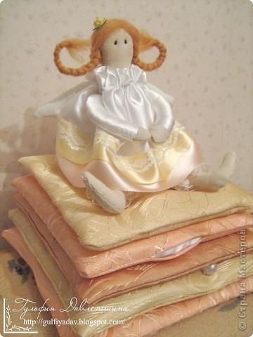 Появилась на свет и моя принцесса на горошине. Больше фото и подробнее у меня в блоге http://gulfiyadav.blogspot.com/2012/07/blog-post_16.html  фото 1