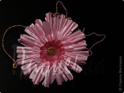 Эту розу я сделала так :разобрала  живую розу на лепестки, выбрала  самые красивые и сделала с них лекала. фото 3